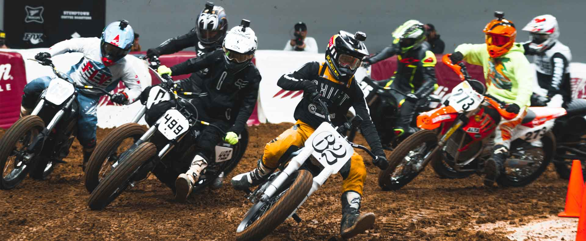 Andy ripping in the Electric Nationals flat track motorcycle race division